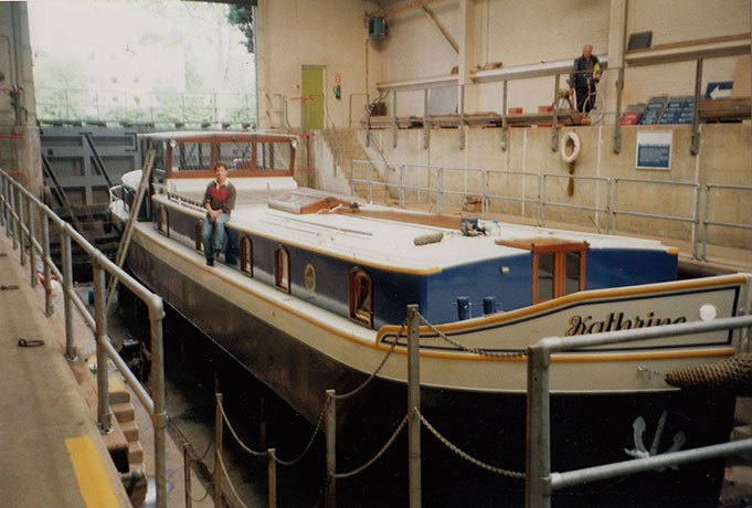 delta-marine-dutch-barge-exterior-04