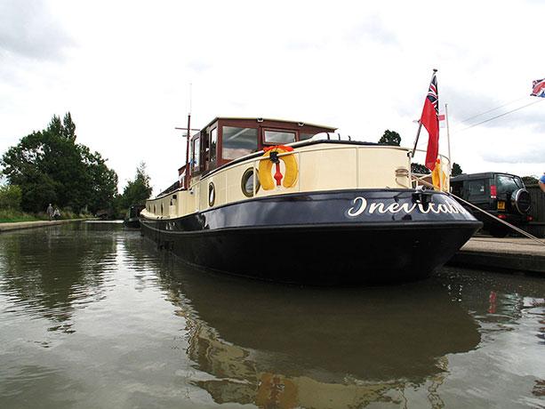 delta-marine-dutch-barge-exterior-07