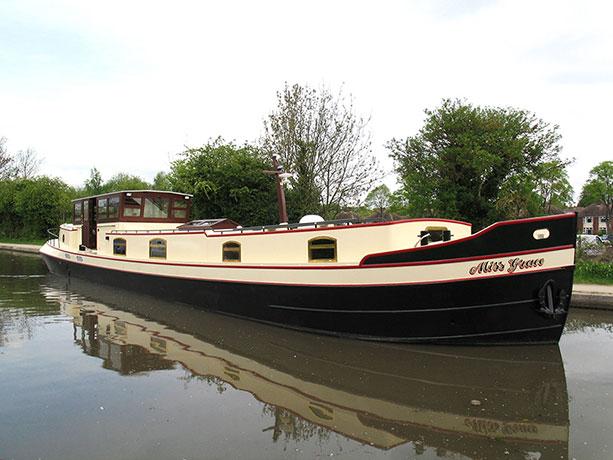 delta-marine-dutch-barge-exterior-08
