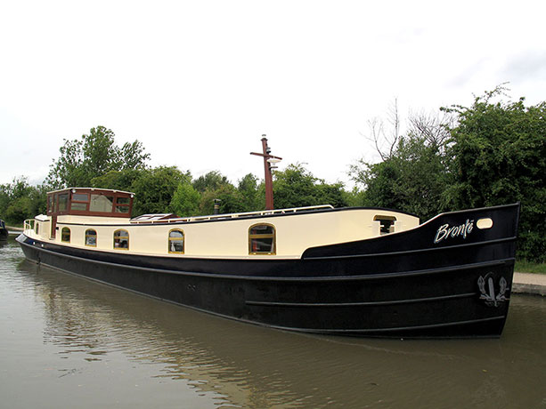 delta-marine-dutch-barge-exterior-10