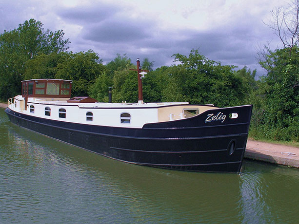 delta-marine-dutch-barge-exterior-12