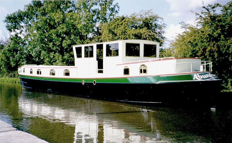 delta-marine-dutch-barge-exterior-13