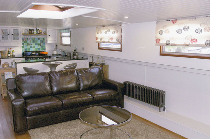 delta-marine-dutch-barge-interior-07