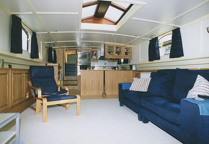 delta-marine-dutch-barge-interior-08