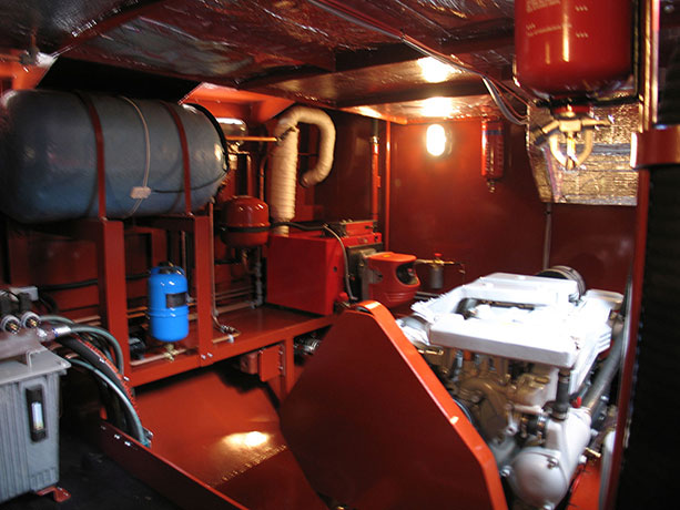delta-marine-dutch-barge-interior-16
