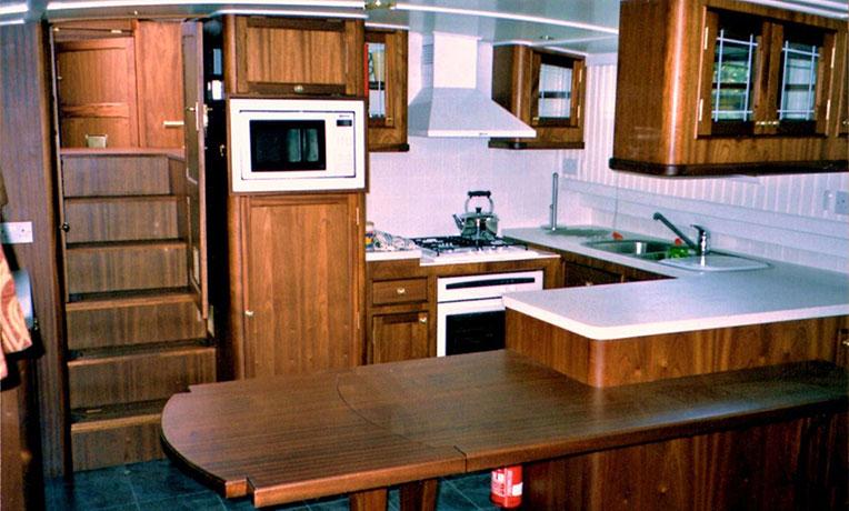 delta-marine-dutch-barge-interior-21
