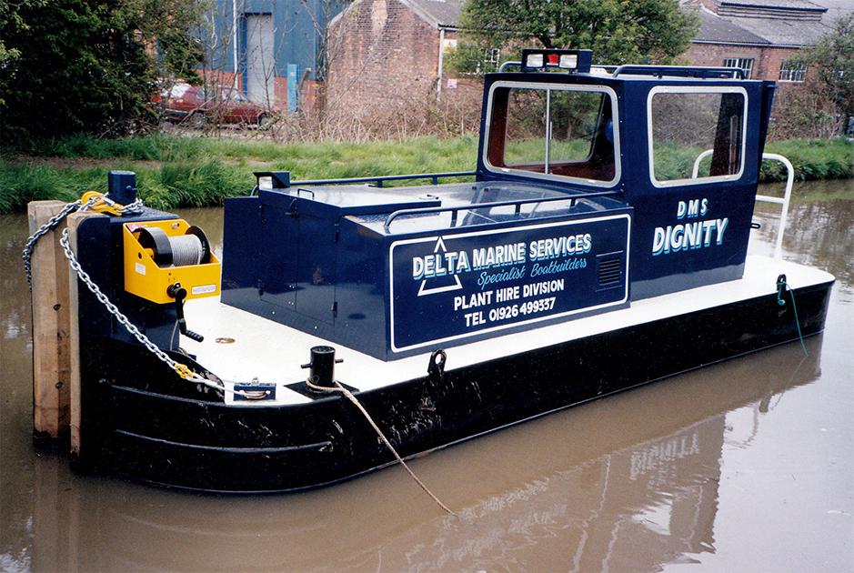 dms-narrow-boat-exterior-04