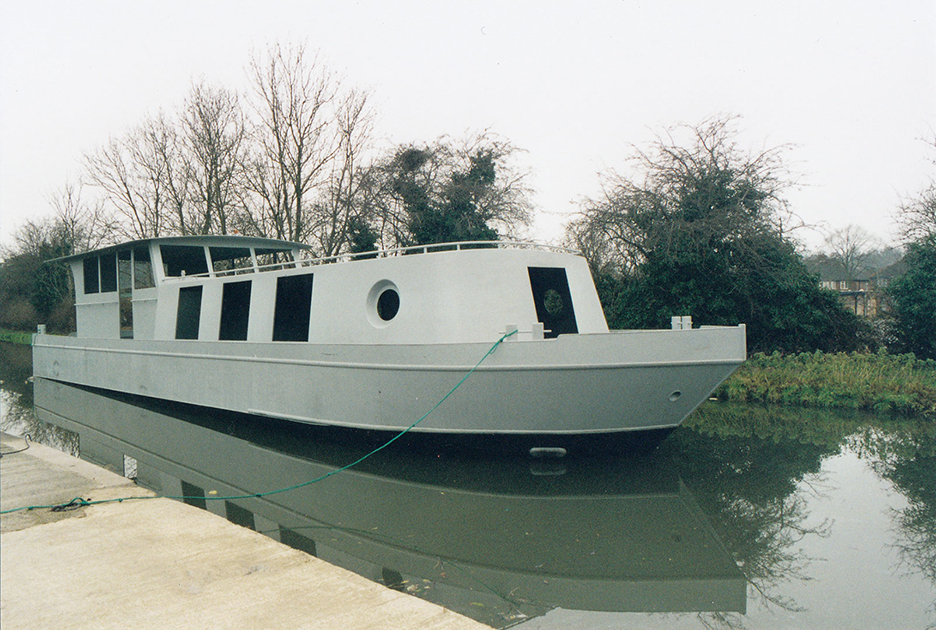 dms-wide-beam-canal-boat-exterior-06