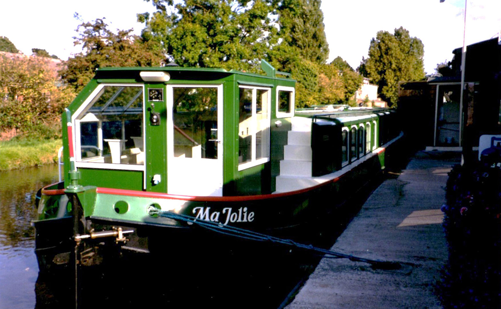 dms-wide-beam-canal-boat-exterior-08